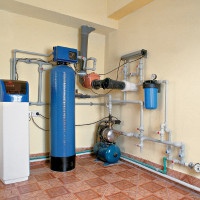 Plumbing in a private country house do-it-yourself: the rules of arrangement