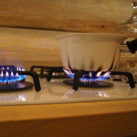 Why smokes a gas stove with a propane tank: basic breakdowns and troubleshooting tips