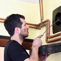 Kā iztīrīt dzīvokļa ventilāciju ar savām rokām: piemēroti instrumenti un darba procedūras
