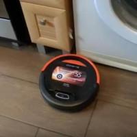 Översikt över Polaris 0610 Robot Vacuum Cleaner: är det värt att vänta på ett mirakel för den typen av pengar?