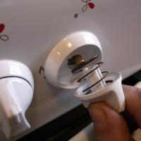 Comment retirer les poignées d'une cuisinière à gaz: comment la poignée est disposée et que faire lorsqu'elle ne se détache pas