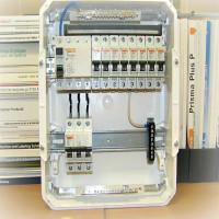 Caractéristiques de connexion des machines automatiques et des RCD dans le blindage: circuits + règles d'installation