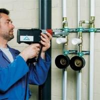 Comment remplacer les élévateurs d'eau dans l'appartement: un guide étape par étape
