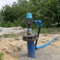 The head for the well: device, types of structures, installation and installation rules