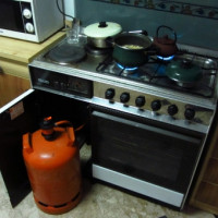 Is it possible to keep a gas cylinder in an apartment: rules and regulations for the use of balloon gas