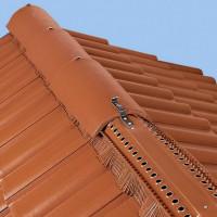 Ventilation de la crête du toit: types + manuel d'installation des bandes de faîtage et des aérateurs