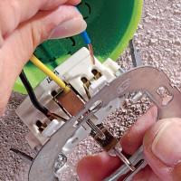 Comment changer et remodeler la prise: des instructions étape par étape sur la façon de remplacer