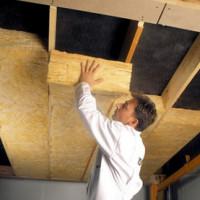 Isolation du plafond dans une maison privée: types de matériaux utilisés + comment choisir le bon