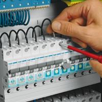 Comment installer un disjoncteur: instructions d'installation étape par étape