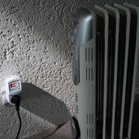 Thermostat dans la prise pour radiateurs domestiques: types, appareil, conseils de sélection
