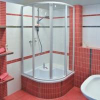 Anslutning av duschkabin till avlopp och vattenförsörjning: steg-för-steg-instruktion