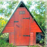 Kaimo tualeto kaip namelio brėžiniai: tipinės schemos ir konstrukcijos niuansų apžvalga