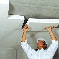 Insonorisation du plafond d'un appartement sous un faux plafond: comment bien agencer l'insonorisation