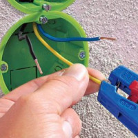 Stripping wires from insulation: methods and specifics of removing insulation from cables and wires