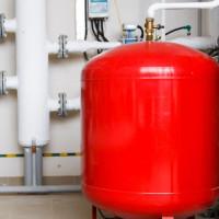 Pression dans le vase d'expansion d'une chaudière à gaz: normes + comment pomper et régler