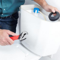 The toilet is leaking after flushing: possible causes of the malfunction and how to eliminate them