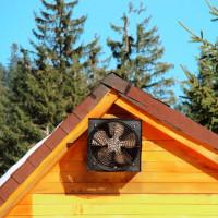 Ventilācija koka mājā: noteikumi guļbūves nodrošināšanai ar gaisa apmaiņas sistēmu