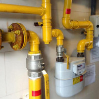 Paint for gas pipes: rules and regulations for painting inside the apartment and on the street