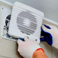 Connexion de la hotte de la salle de bain à l'interrupteur d'éclairage: analyse des schémas populaires et instructions détaillées