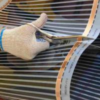 Kā veikt plēves apsildīšanu zem grīdas zem linoleja: instrukcijas par infrasarkanās sildīšanas sistēmas ieklāšanu