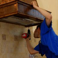 Installation d'une hotte de bricolage dans la cuisine: instructions d'installation détaillées étape par étape