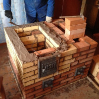 Brick stove for the home: guidelines for choosing the optimal type and examples of routines for independent masters