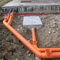 Kanalizacijos vamzdžių klojimas žemėje: technologinės taisyklės ir niuansai