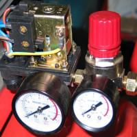 Spiediena slēdzis kompresoram: ierīce, marķējums + elektroinstalācijas shēma un regulēšana