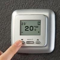 Thermostat pour chauffage au sol: principe de fonctionnement + analyse des types + conseils d'installation