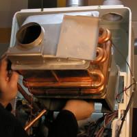 Rinçage de l'échangeur de chaleur de la chaudière à gaz: méthodes et moyens de nettoyage pour éliminer les dépôts minéraux