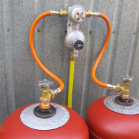 Gas cylinder ramp: device + DIY manufacturing example
