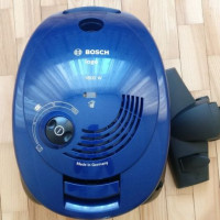 Översikt över Bosch GL 20 Dammsugare: Justerbar kraft för rengöring av beläggning