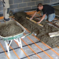 Screed on a warm water floor: a choice of thickness and popular methods of installation