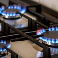Comment augmenter la puissance du brûleur à gaz et améliorer la flamme sur le poêle: un aperçu des moyens populaires