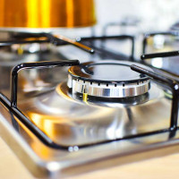 How and how to wash the gas stove grill from grease and carbon deposits: a review of effective home remedies
