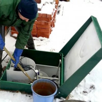 Rules for servicing a septic tank in winter: cleaning and maintenance