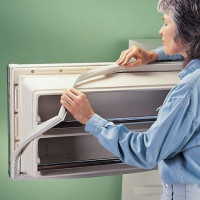 Sealant for the refrigerator: rules for choosing and replacing the sealing gum