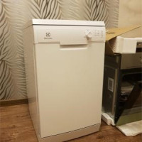 Overview of the dishwasher Electrolux ESF9423LMW: a set of necessary options at an affordable price