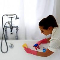 Choisir des nettoyants pour salle de bain en acrylique: un examen comparatif