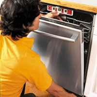 The first start of the dishwasher: how to properly carry out the first inclusion of equipment