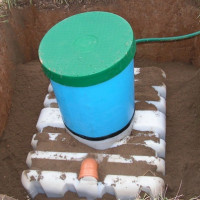 """Overview of the septic tank for giving """"Tank"""": how it works, advantages and disadvantages of the system"""