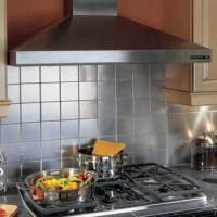 Comment accrocher une hotte au-dessus d'une cuisinière à gaz: guide d'installation étape par étape