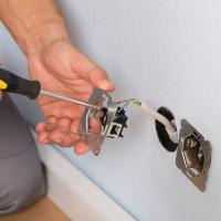 Comment connecter un interrupteur de passage: analyse de circuit + instructions de connexion étape par étape