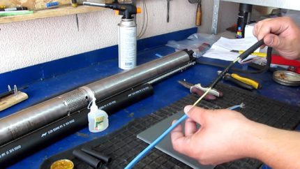 Mounting the submersible pump cable