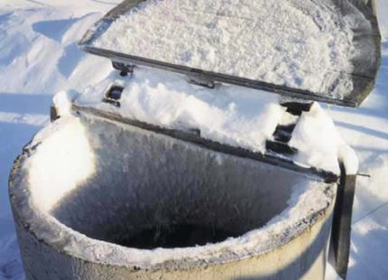 Reinforced concrete well freezing
