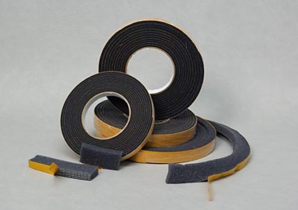 Precompressed self-expanding sealing tape