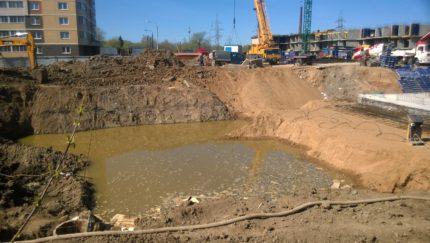 Pumping a construction pit