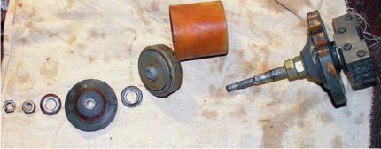 Repairing the vibrating pump Kid