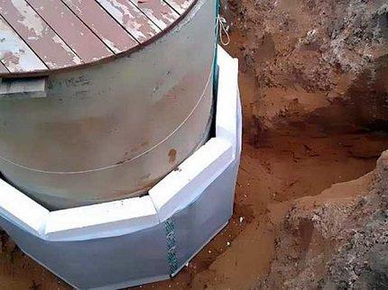 Concrete caisson insulation