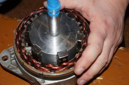 Re-equipment of the automobile generator